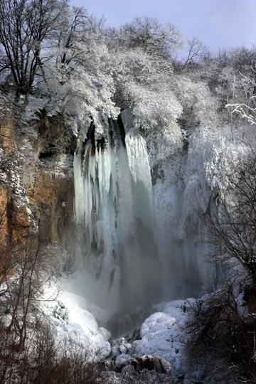 282_2_sopotnica-zaledjeni-slapov